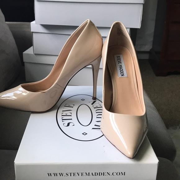 18682a80368 Daisy Steve Madden nude heel. M 5b5b7db4a31c330dea644136